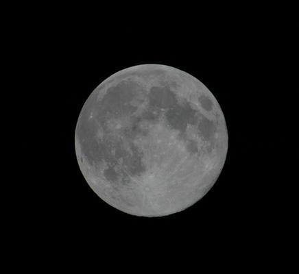伊藤さんから110912中秋の名月満月.jpg